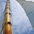 Jib and Wooden Mast of Schooner Sailboat — Stock Photo