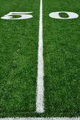 50 yard çizgisinde amerikan futbol sahası — Stok fotoğraf