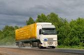 Trailer truck — Stock Photo