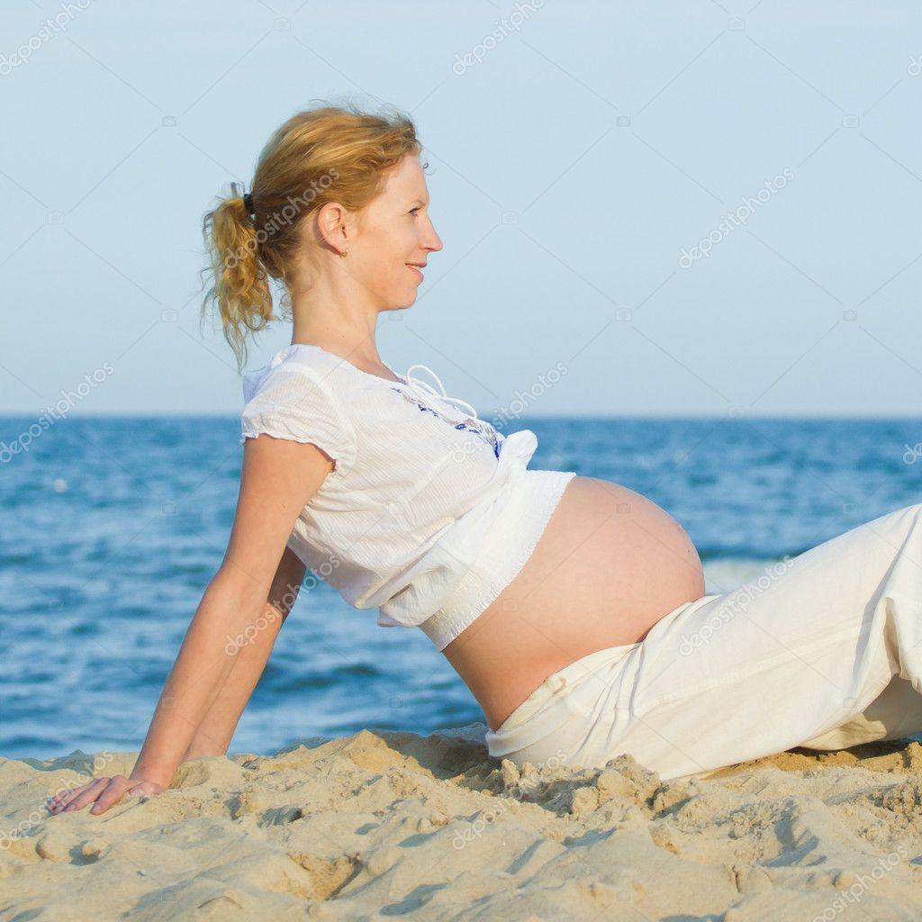 Фотосессии беременных на пляже фото