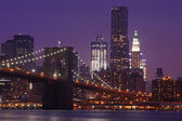 Brooklyn Bridge and Manhattan Skyline At Night NYC — Stock Photo