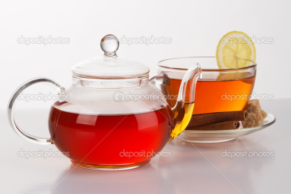 A teapot and a cup of tea — Stock Photo #5688925