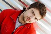 Retrato de hombre joven hansdsome — Foto de Stock