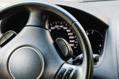 Steering wheel and dashboard — Stockfoto