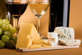 Wine and cheese still-life — Stock Photo
