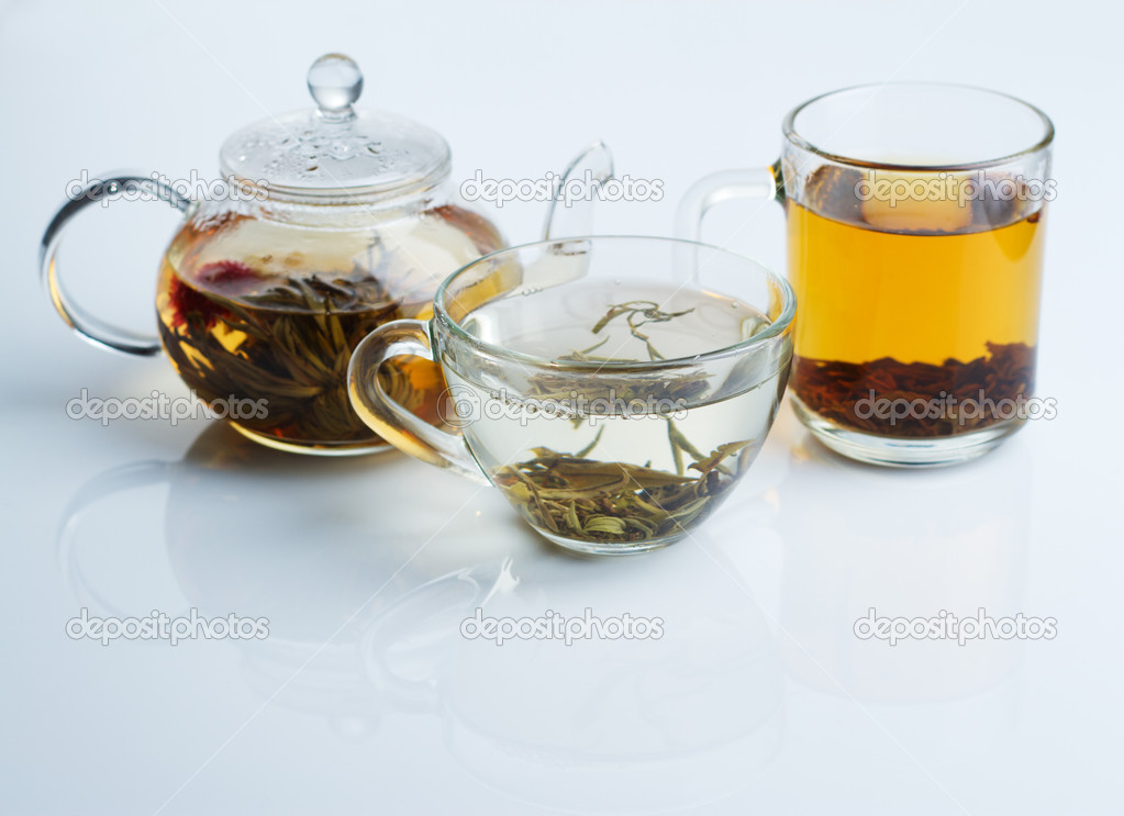 Different sorts of tea - black, green and white — ストック写真 #5729299