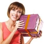 härlig tjej med en presentförpackning — Stockfoto #5758679