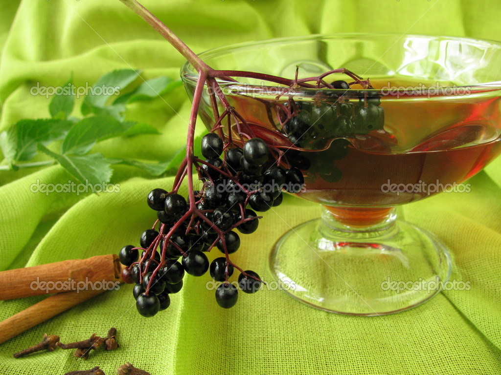 Punch with elderberries — Stock Photo #6729079