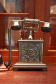 Old style telephone — Stockfoto