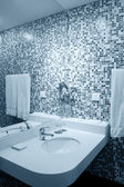 Washbasin in hotel — Stock Photo