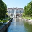 Grand Peterhof Palace and the Grand Cascade — Stock Photo
