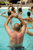 Aerobe in zwembad — Stockfoto