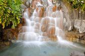 Litet vattenfall — Stockfoto