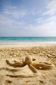 Octopus sculpture on beach — Stock Photo