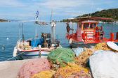Barcos de pesca no porto de grego — Fotografia Stock