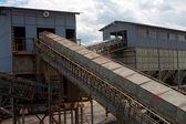 Construcción de acero con transportadores — Foto de Stock