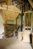 винтажные мельницы хоппер — Стоковое фото