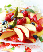 Fresh fruit dessert — Stock Photo