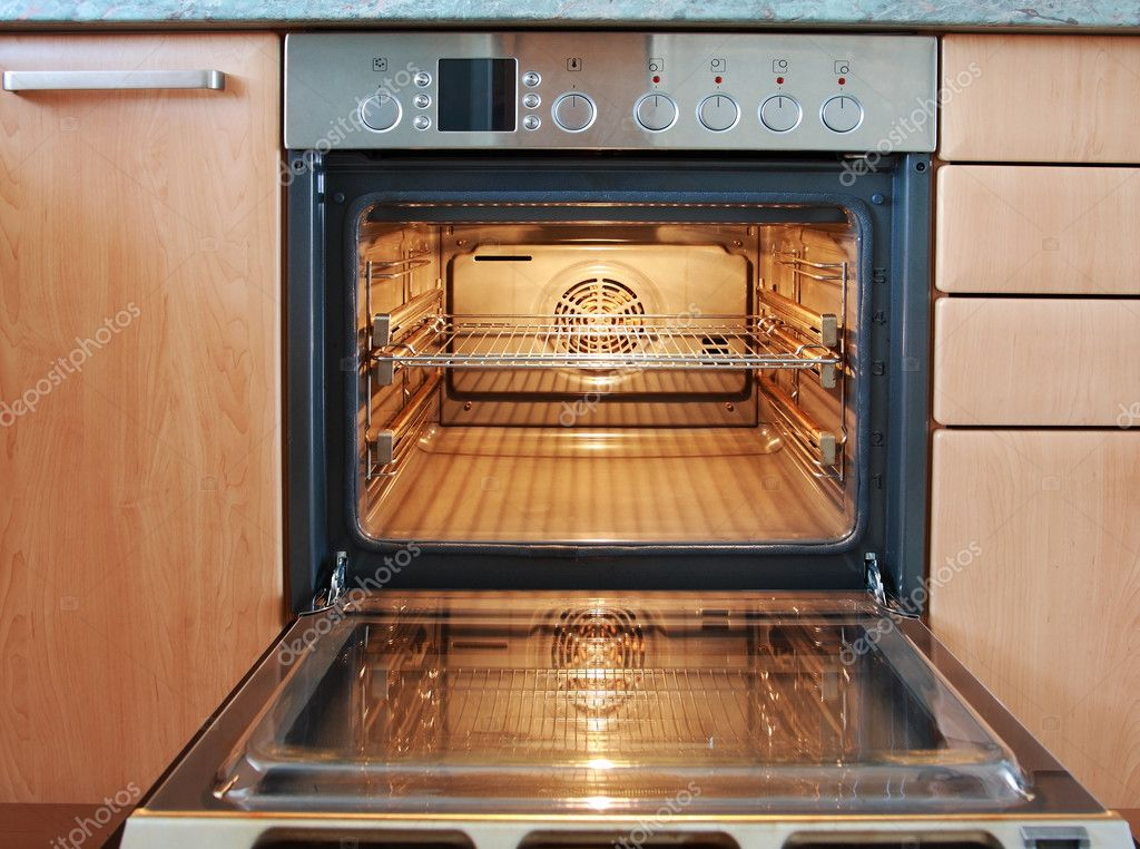 Empty open oven — Stock Photo #6019142