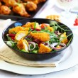 Gourmet salad with curry chicken stripes — Stockfoto