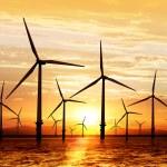風力タービンの夕日を — ストック写真