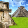 Kukulkan pyramid — Stock Photo #6398417