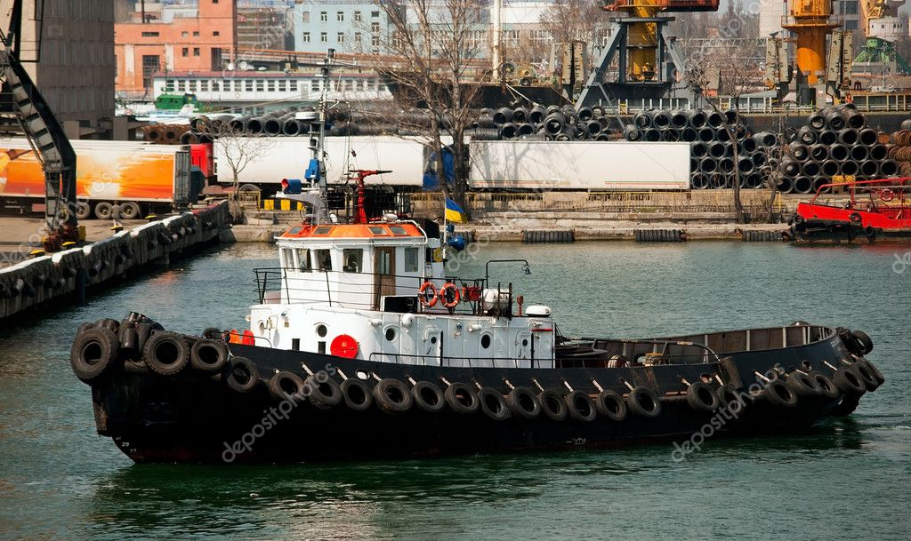 Tug boat in the port — Stock Photo #5542604