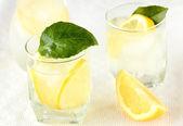 Ice Cold Lemonade or lemon cocktail,shallow dof — Stock Photo