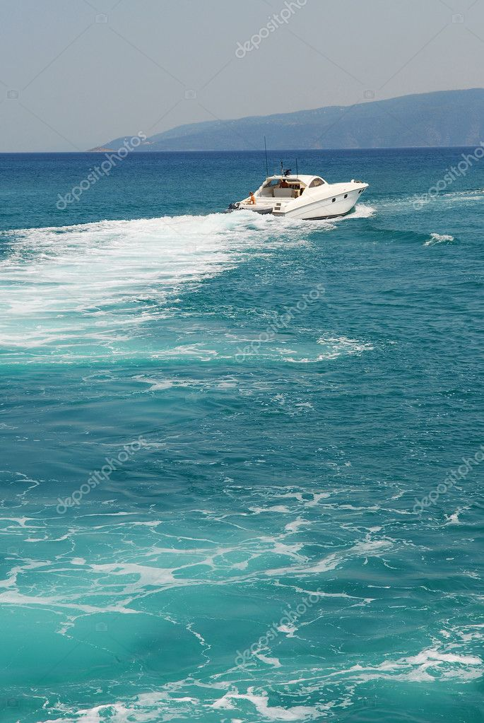 Photo of million dollar high speed sportfishing boat   Stock Photo #5639751