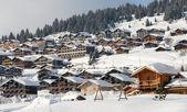 Estación de la montaña en los alpes — Foto de Stock