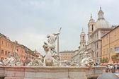 纳沃纳广场的喷泉 — 图库照片