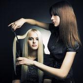 клиент и стилист — Стоковое фото