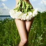 elegantní dáma s sukni - pivoňky — Stock fotografie #6145865