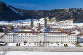 Kláštera einsiedeln v zimě, švýcarsko — Stock fotografie