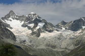 Large glacier — Stock Photo