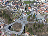 Little mountain town with large street infrastructure — Stock Photo
