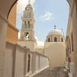 Catholic cathedral in Fira, Santorini — Stock Photo