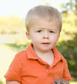Cute Young Boy Portrait in The Park — Stock Photo