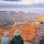 Couple Enjoying Beautiful Grand Canyon Landscape — Stock Photo #5660020