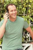 Uomo al telefono — Foto Stock