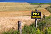 No Trespassing Farm sign — Stok fotoğraf