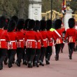 Queens guards marching and playing music — Stock Photo