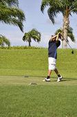 Preteen golfing — Stock Photo