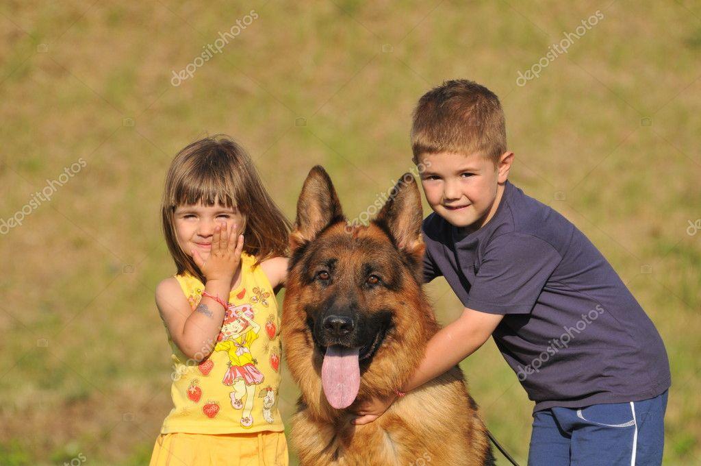 немецкая овчарка и дети мягкое, вашему