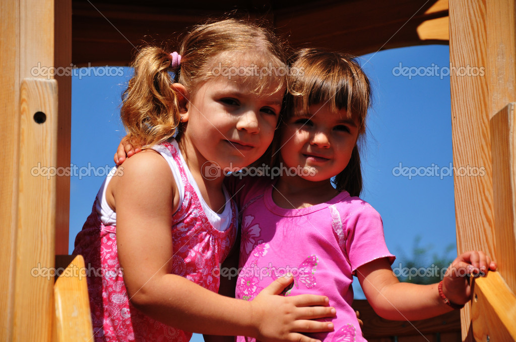 Two beautiful girls posing — Stock Photo #6611918
