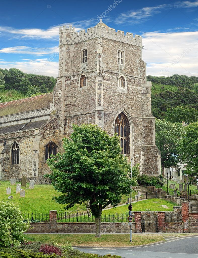 Ancient parish church hasting England with blue sky and clouds — Stock Photo #6057428