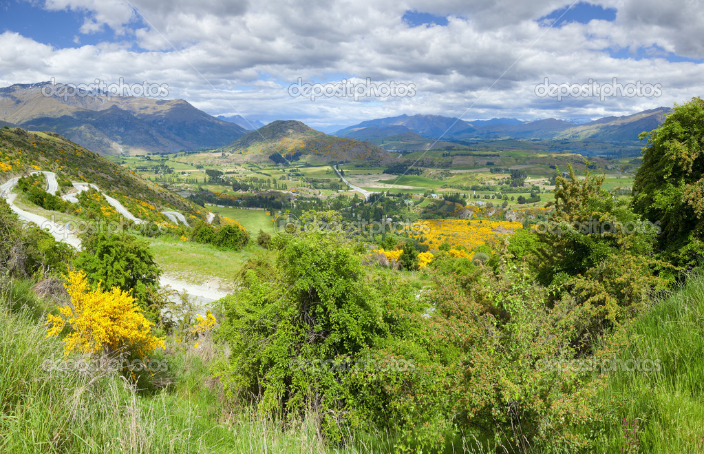 Mountain overlook on a scenic drive in New Zealand — Stock Photo #6183415