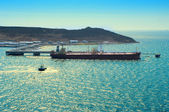 Tanker Loading Oil In Sea Port — 图库照片