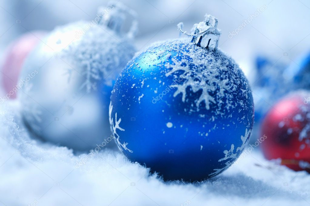 Christmas ornament on  blured background — Stock Photo #5779343