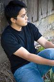 Asiatiska sitter ensam — Stockfoto